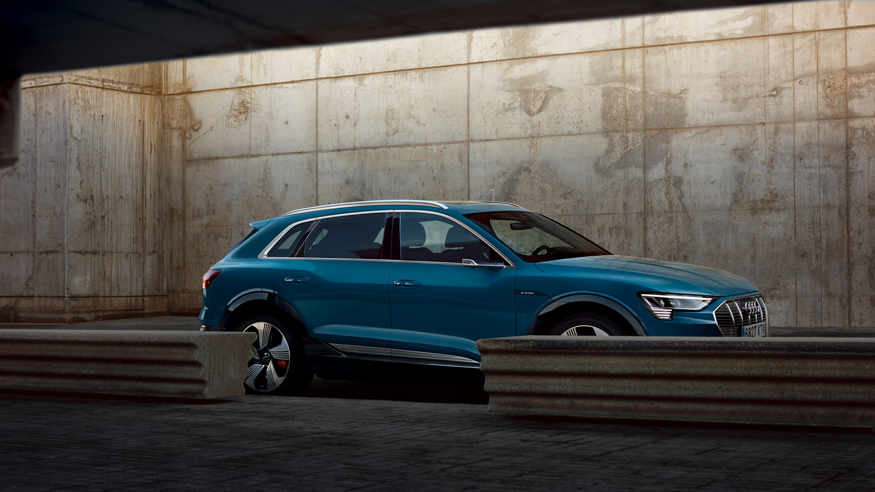 Audi E-Tron urban summer spread 2