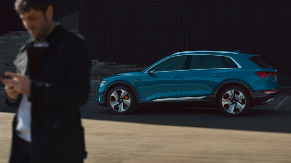 Audi E-Tron urban summer spread 1