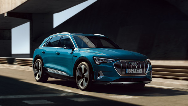 Audi E-Tron urban summer spread 5