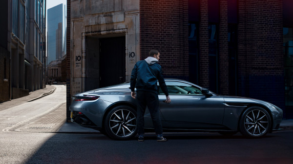 Aston Martin DB11 London 7